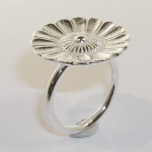 Silver large daisy ring