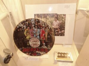 Limited edition ceramic plate - Sergeant Pepper