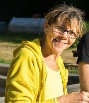 Angela Thwaites